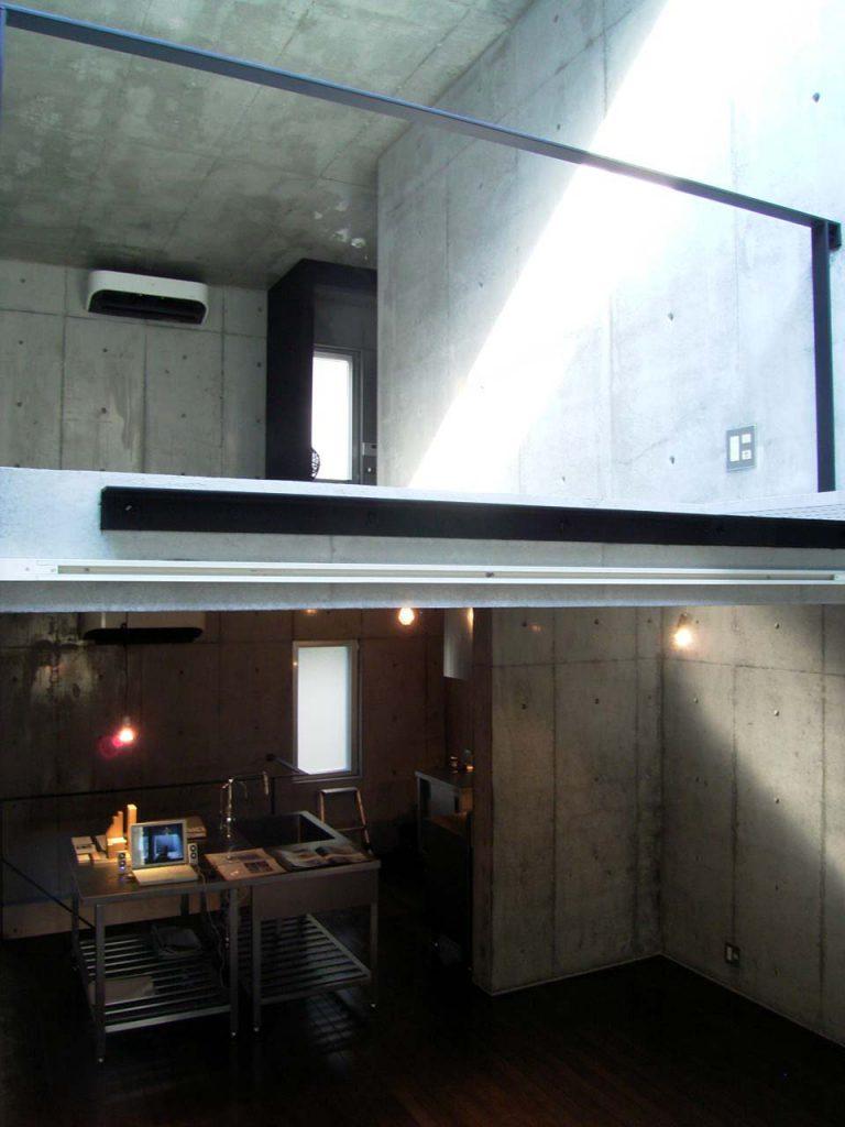 柳橋のコンクリートボックス