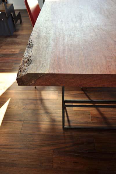 製作テーブル