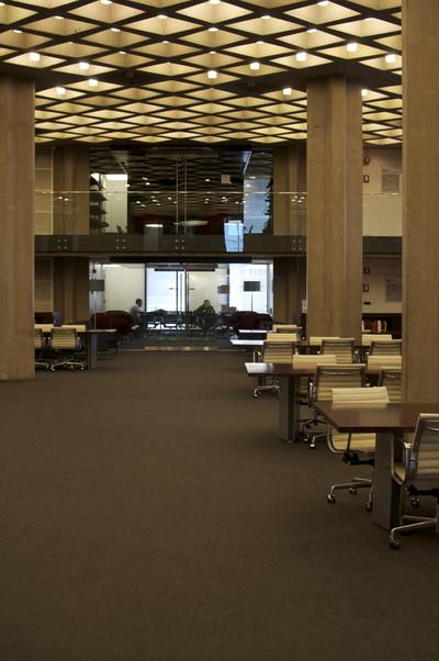 シカゴ大学法学部図書館/エーロ・サーリネン