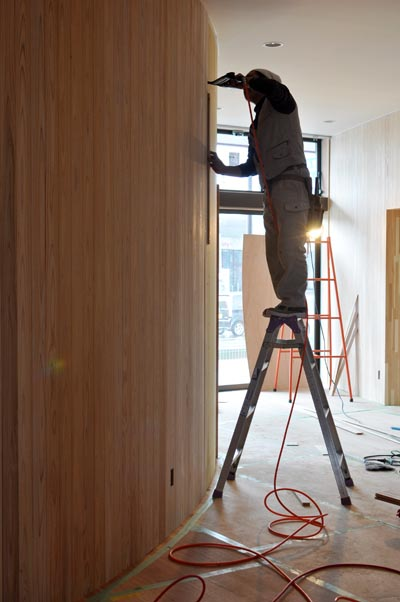曲面壁杉板貼