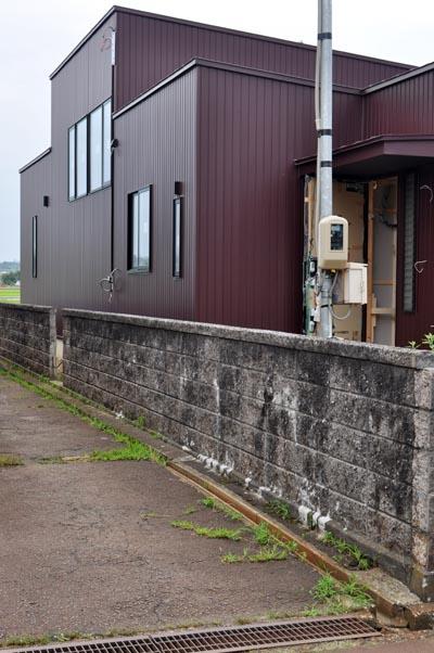 ボルドーレッド外壁