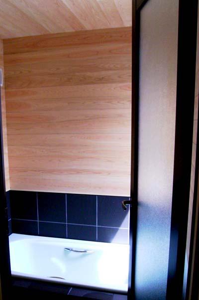 ヒノキ仕上浴室