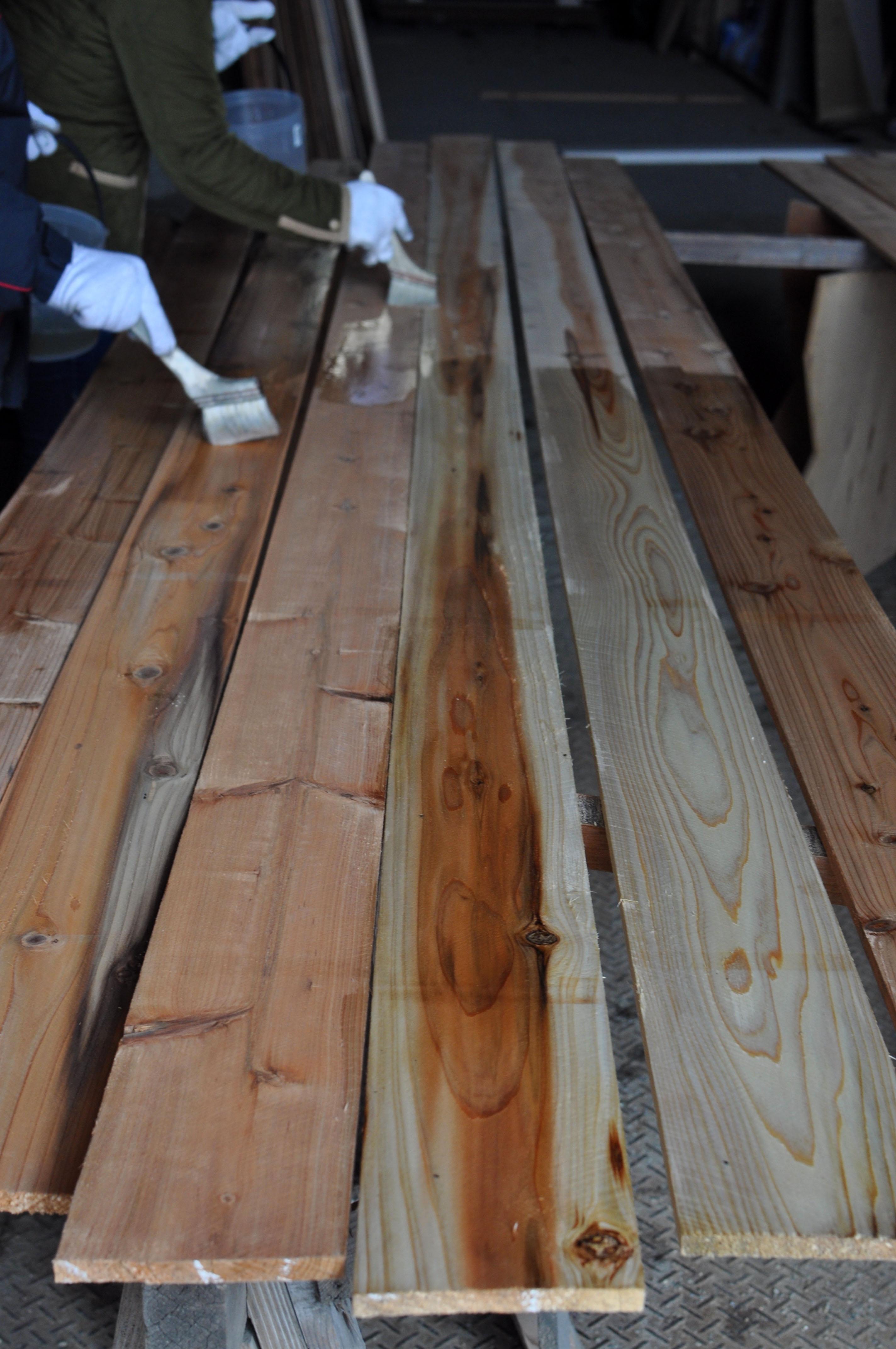 外壁杉板diy塗装