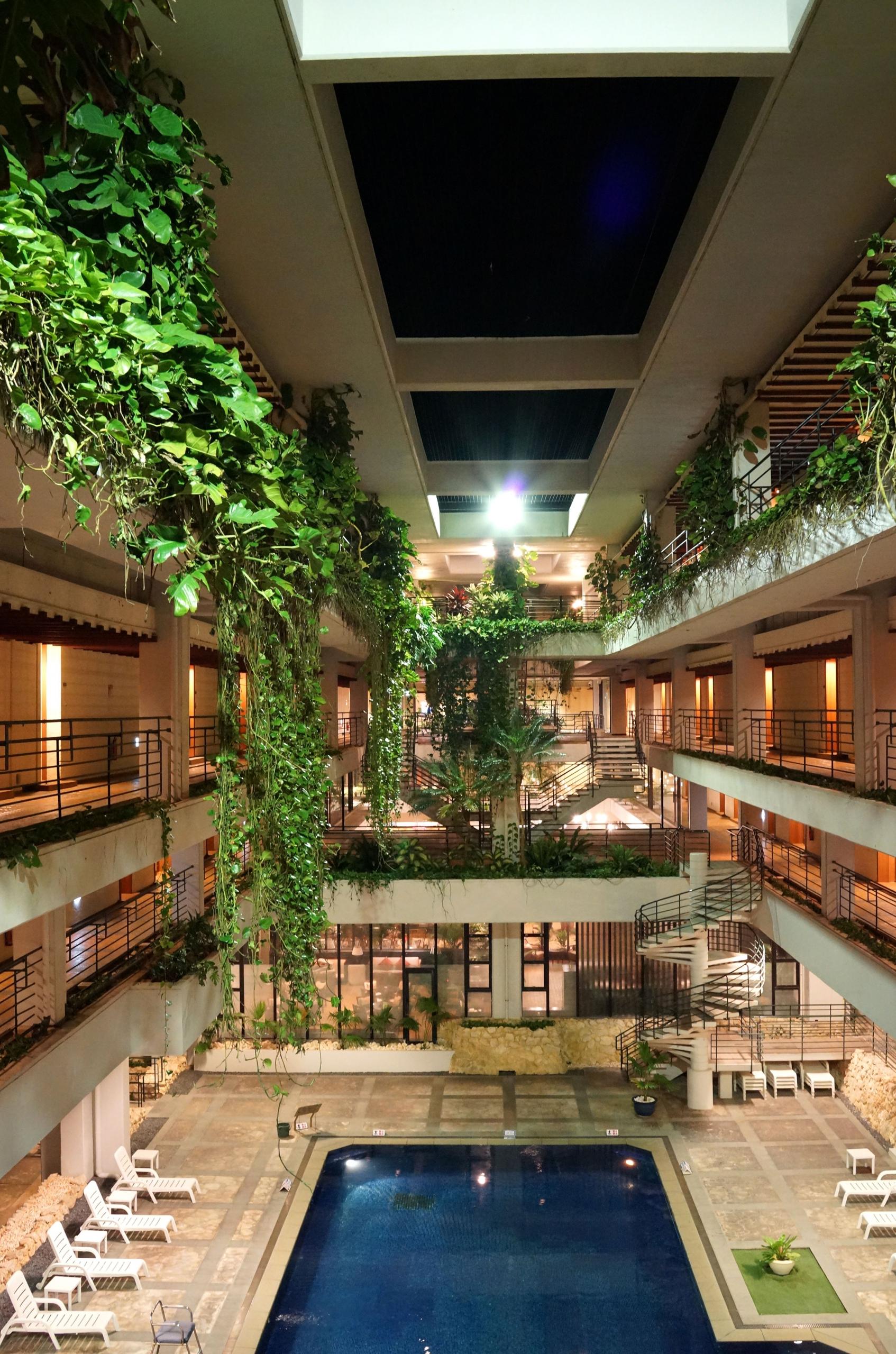 moonbeach_hotel