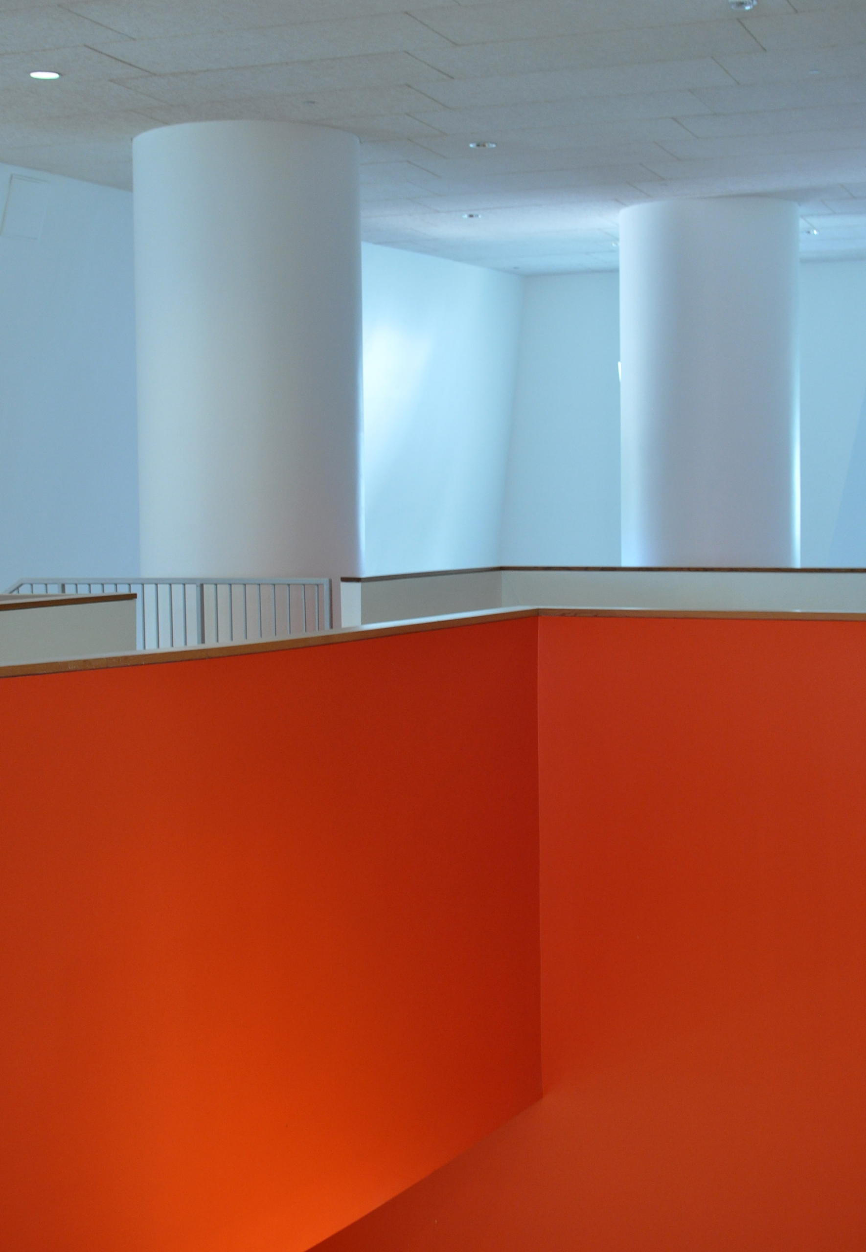 フランク・O・ゲイリー設計「MITレイ&マリア・スタータ・センター」