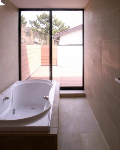 木造浴室タイル張り